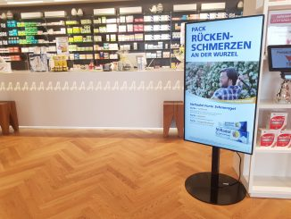 Digital Signage-Display in Apotheke