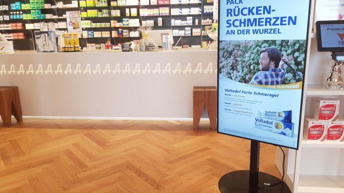 Digital Signage-Display in Apotheke