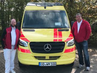 Wundmobil mit ICW-Wundexperte Mirko Mau und Fahrer Daniel Giertz