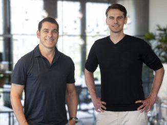 Brainlab-Vorstandsvorsitzender Stefan Vilsmeier (l.) und Snake-OS-Chef Andreas Giese