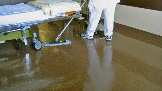 Säuberung eines Patientenzimmers